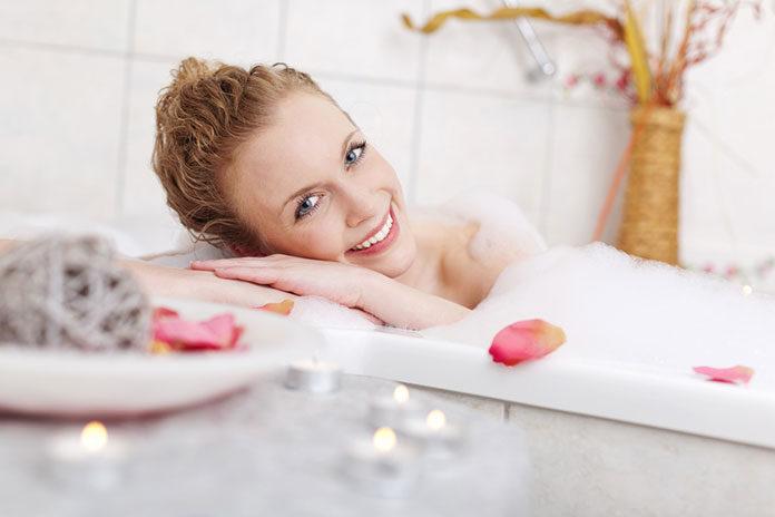 Dekoracje do domu – jak ozdobić łazienkę?