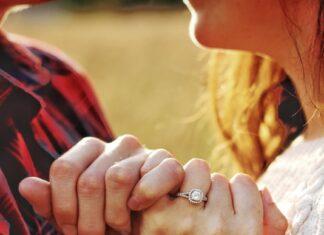 Wybór pierścionka zaręczynowego